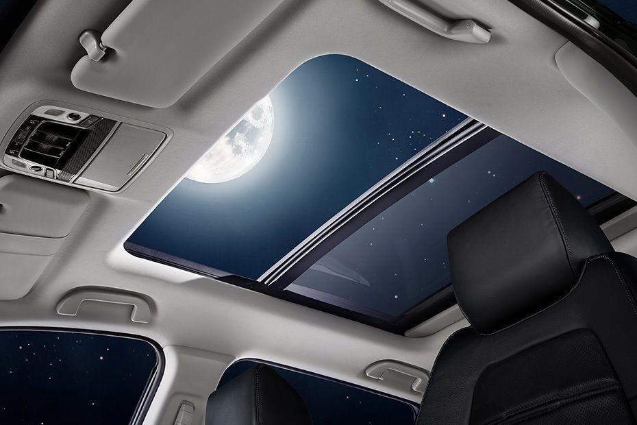 panoramic sunroof pada Honda CR-V yang meningkatkan nilai elegan