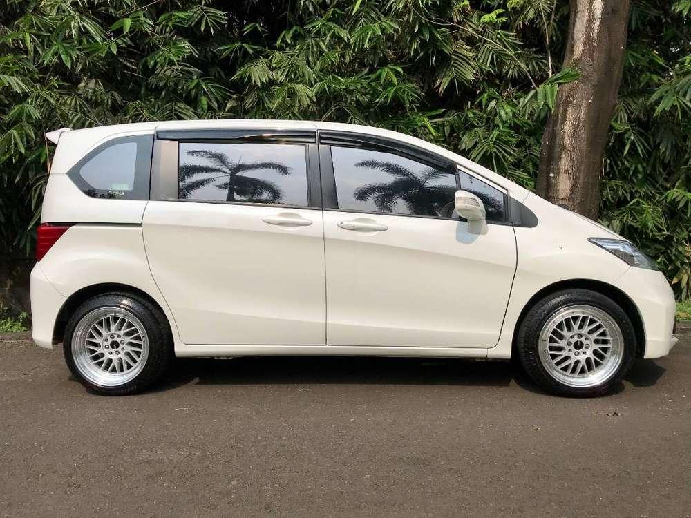Jual Mobil Honda Freed 1.5 2014 286828